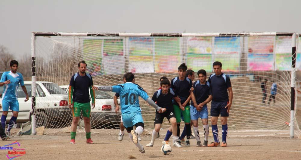 مسابقات فوتبال برغمد عید۹۴ - عکاس-امیررضا برغمدی-5619