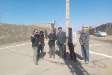 خط کشی میدان و بلوار خیابان همت آباد روستای برغمد توسط مهندس اسماعیل آبادی و مهندس اردلان